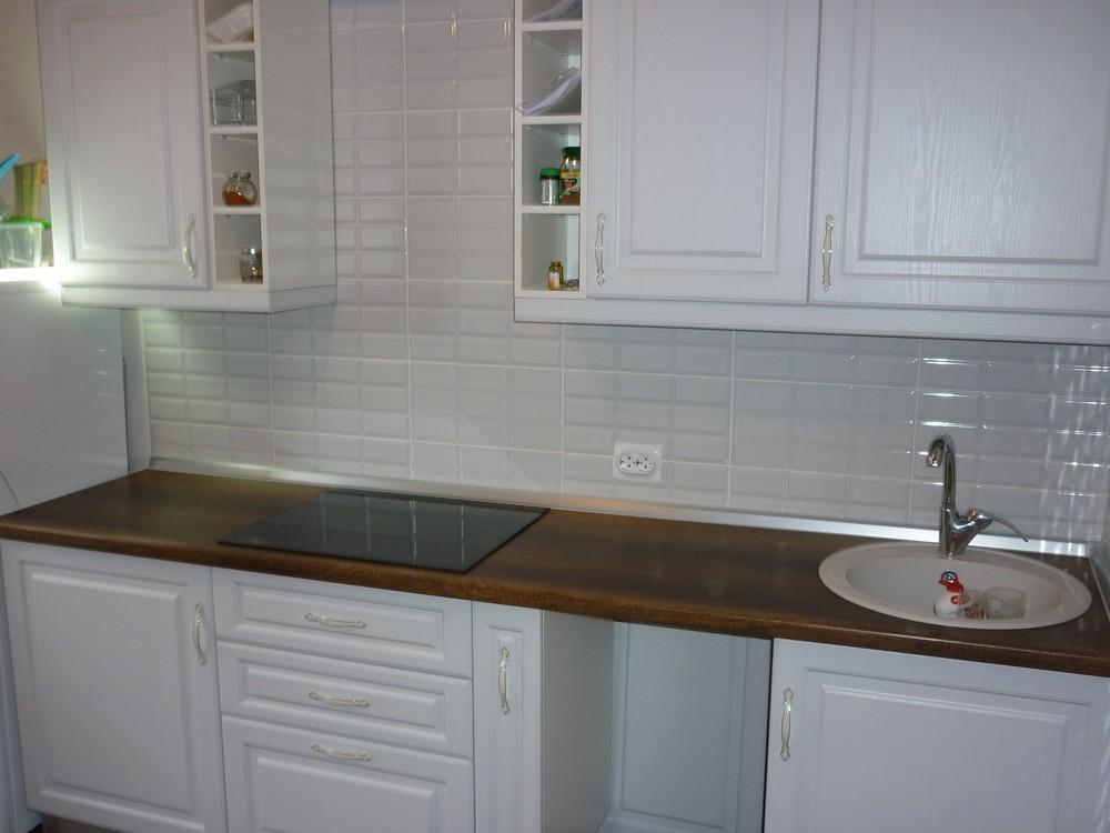 Белый кухонный гарнитур-Кухня МДФ в ПВХ «Модель 235»-фото1