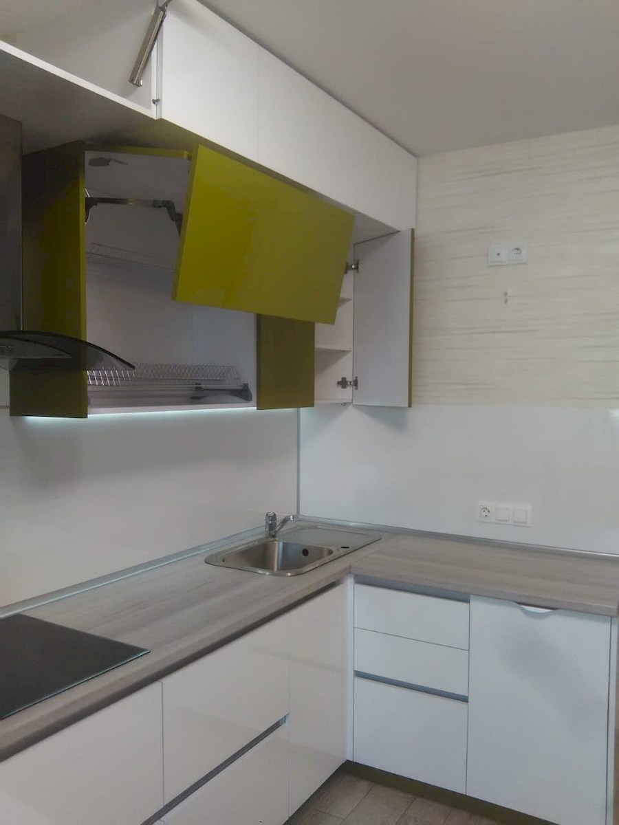 Белый кухонный гарнитур-Кухня из пластика «Модель 572»-фото15